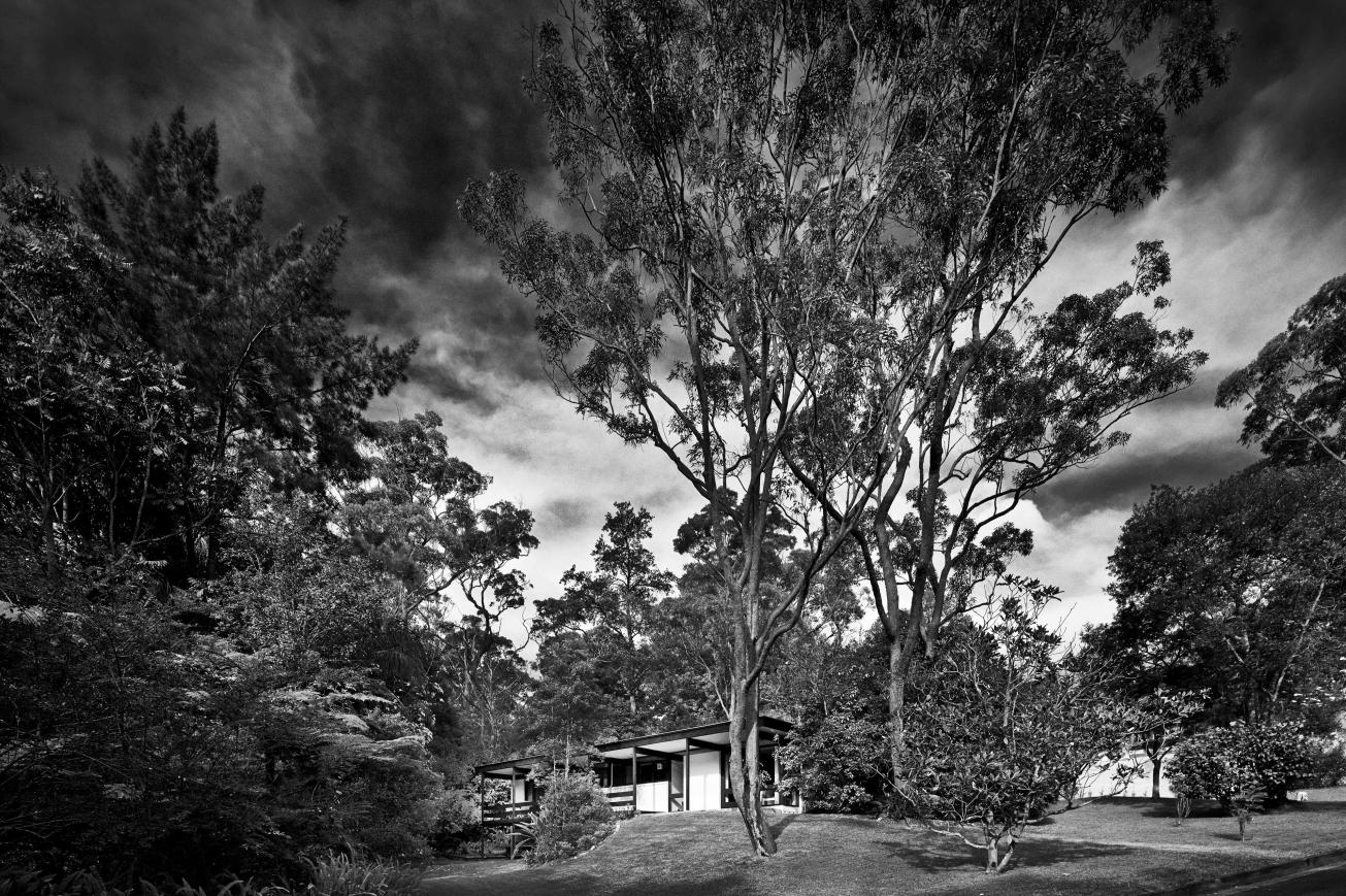 Lowline B by Ken Woolley for Pettit & Sevitt. Photo source: Modernhouse.co (Photographers © Michael Nicholson, © Tamara Graham)
