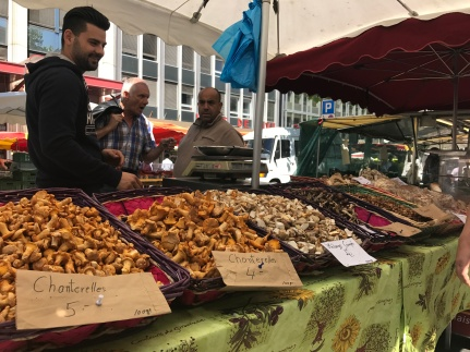 Saturday markets on numerous street corners, Geneva